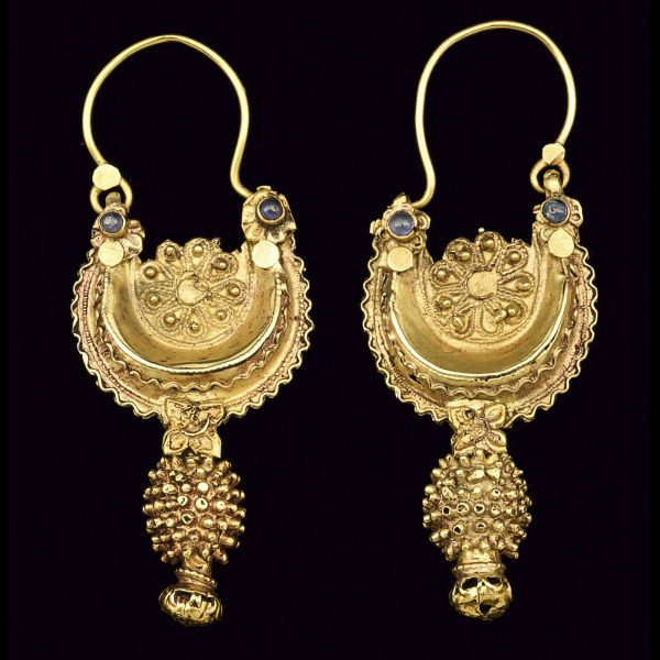 Pakistani 22ct gold earrings from the Swat Valley