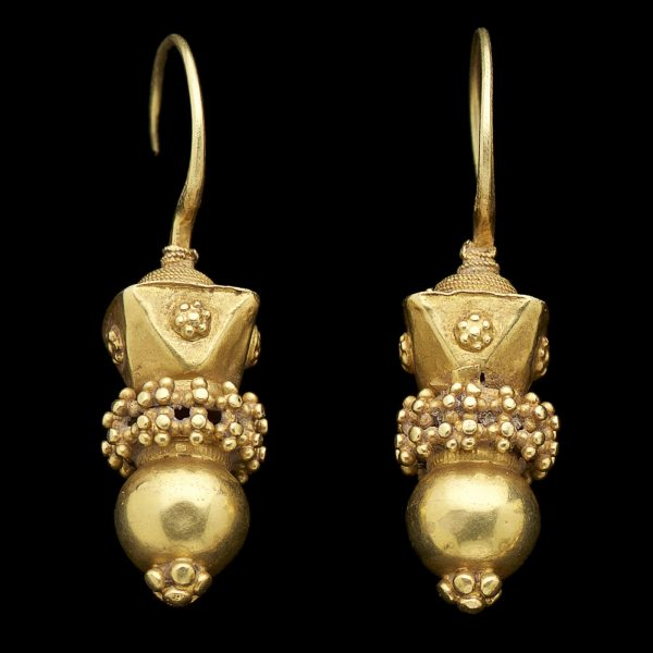 Tribal Indian 22ct gold earrings of unusual form with hollow spheres