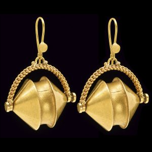 Indian 22ct gold earrings from Tamil Nadu