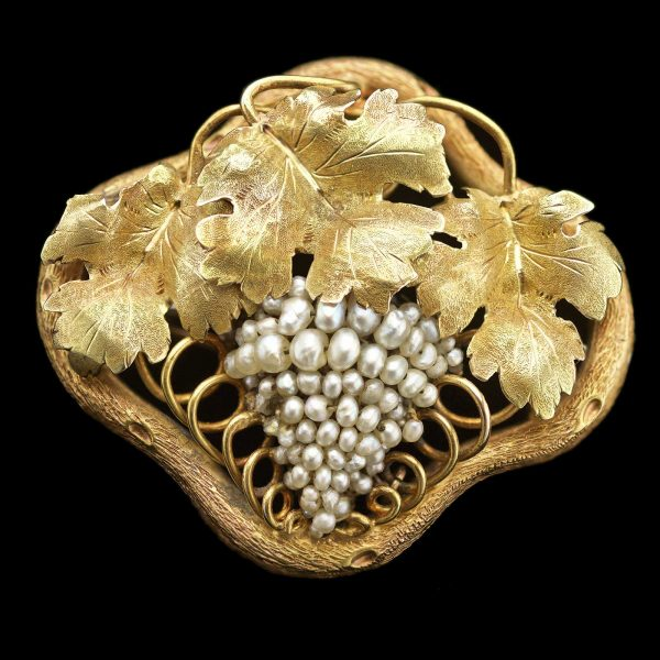 Brooch in two colour gold designed as a grapevine with seed pearl bunch of grapes, attributed to Alfred Lorking Sydney c.1856