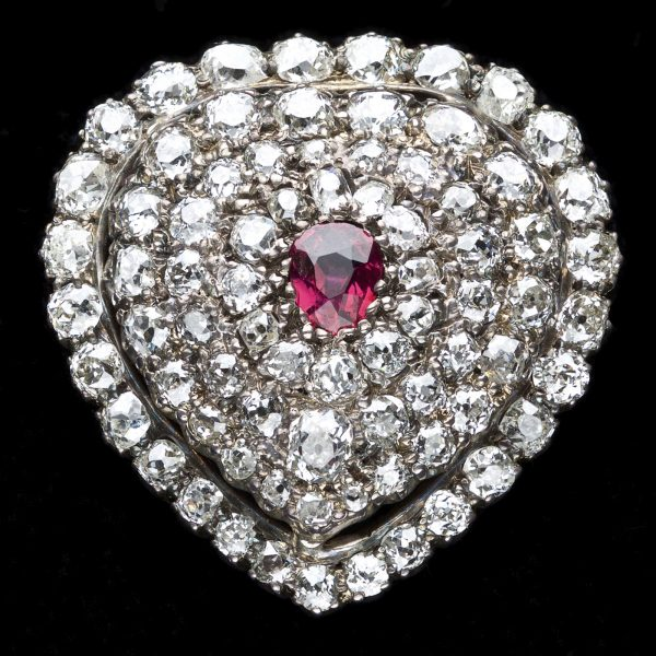 Superb Victorian diamond set heart brooch, with a central ruby c.1860