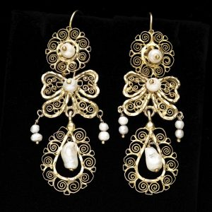 Spanish 18ct filigree gold ear pendants set with freshwater pearls