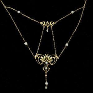 Exquisite Art Nouveau 14ct gold