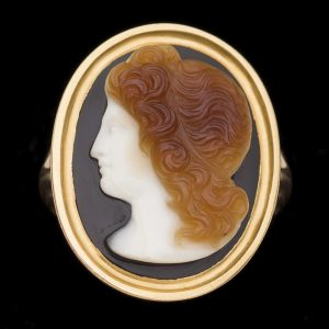 8th century three layered sardonyx cameo of Alexander the Great, 18ct gold setting H-17mm