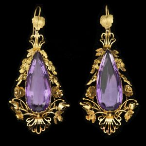Victorian amethyst ear pendants in baroque18ct gold setting c.1860