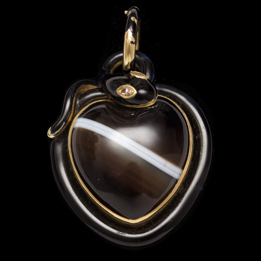 Victorian banded agate heart shaped pendant